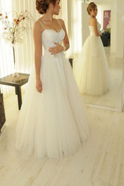6474aed0d5 Lace Appliques Sweetheart Spaghetti Straps Floor Length Tulle Wedding Gown