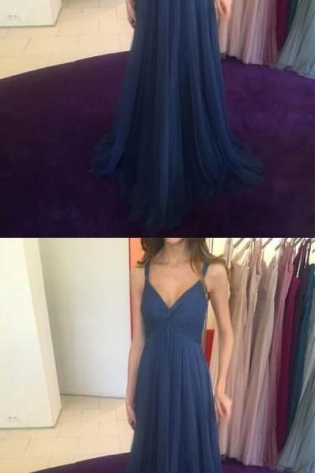 V-Neck Long Bridesmaid Dresses Tulle A-Line Bridesmaid Dresses